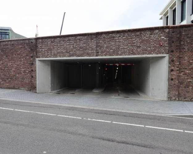 Foto #e361bf0b-969e-46a6-b0ce-8c25f0bb96e7 Garage Maagdendries Maastricht