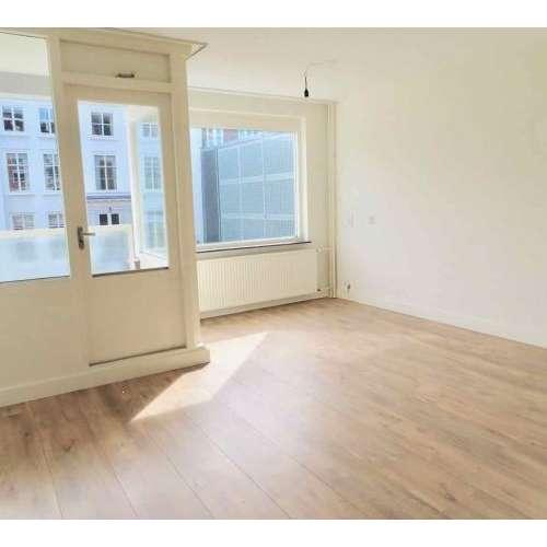 Foto #e998f638-781a-4d00-a63f-a0370e39b6dd Appartement Lage Nieuwstraat Den Haag