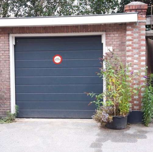Foto #4016ef2a-21cd-4e00-b82a-912d1ba38acd Garage Galvanistraat Den Haag
