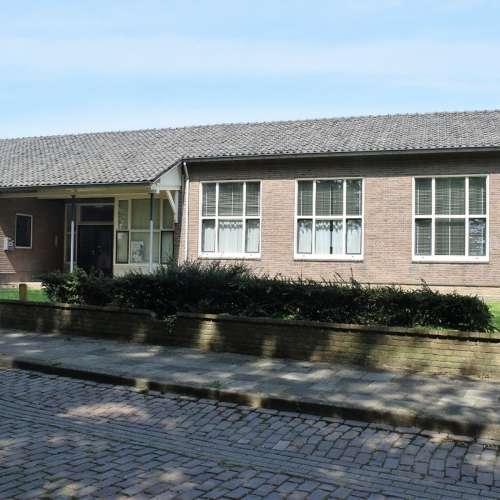 Foto #fbafcf71-691e-462c-be9c-9c947f20822e Bedrijfsruimte Dr. Huizingastraat Schoondijke